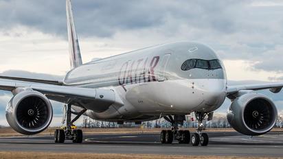 A7-ALY - Qatar Airways Airbus A350-900