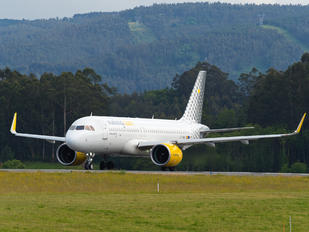 EC-NAX - Vueling Airlines Airbus A320 NEO