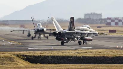 164950 - USA - Marine Corps McDonnell Douglas F-18C Hornet