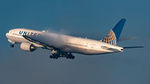 N796UA - United Airlines Boeing 777-200ER aircraft