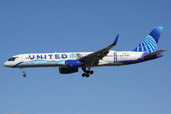 N14106 - United Airlines Boeing 757-200