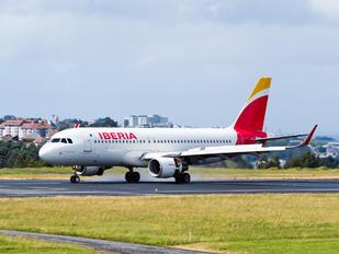 EC-LVD - Iberia Airbus A320