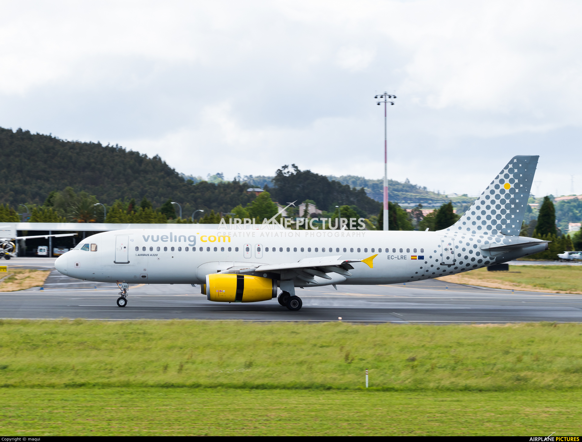 Vueling Airlines EC-LRE aircraft at La Coruña