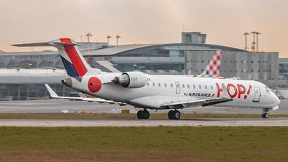 F-GRZK - Air France - Hop! Canadair CL-600 CRJ-702