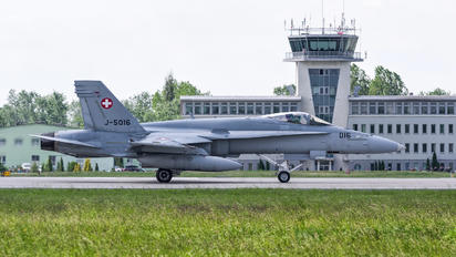 J-5016 - Switzerland - Air Force McDonnell Douglas F/A-18C Hornet