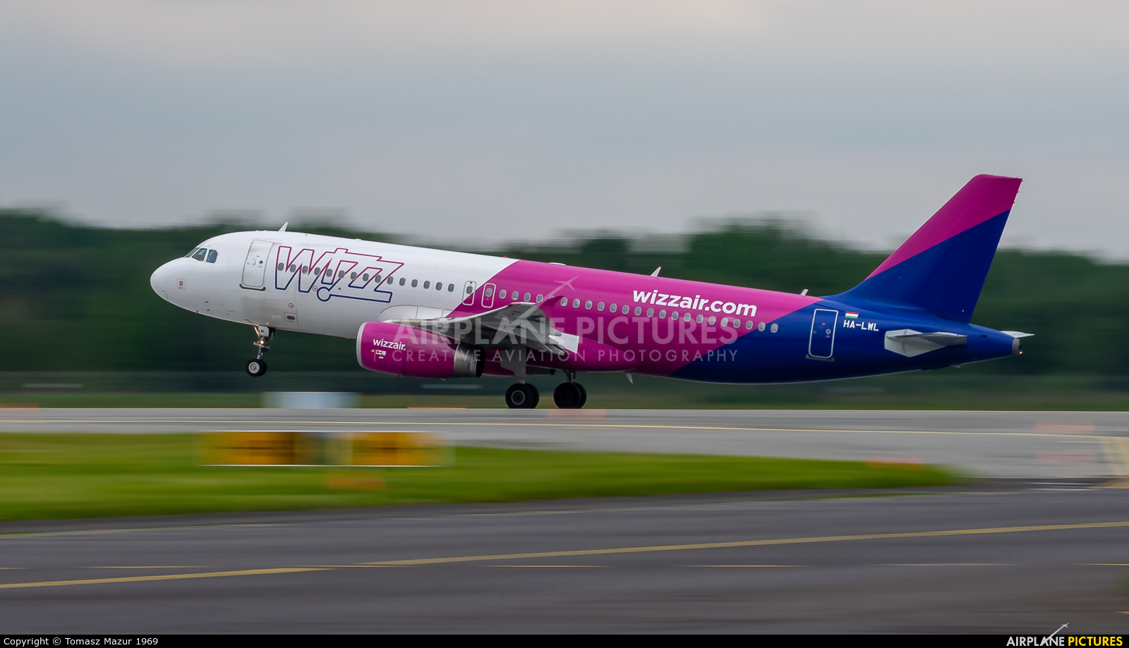 Wizz Air HA-LWL aircraft at Katowice - Pyrzowice