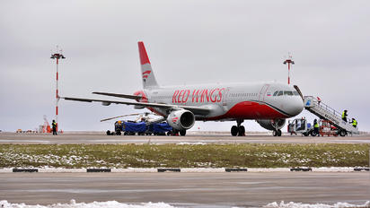 VP-BRW - Red Wings Airbus A321