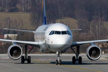 D-AIUY - Lufthansa Airbus A320