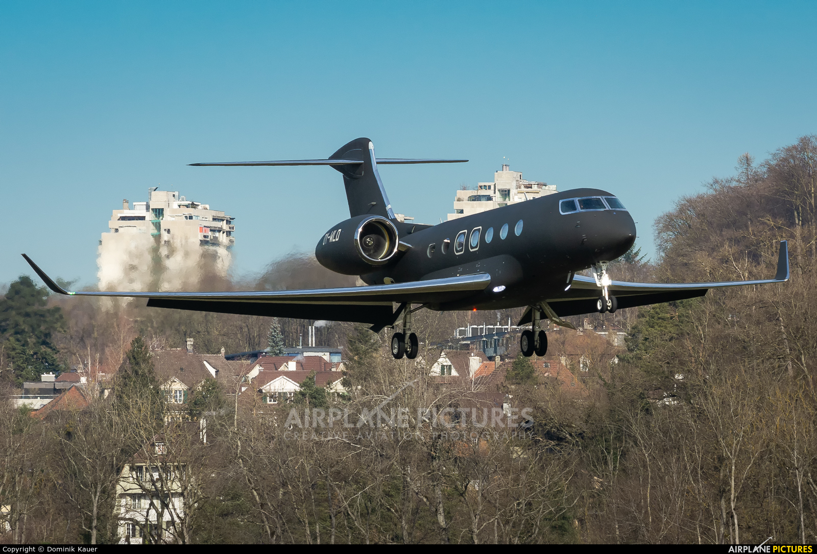 Private OY-WLD aircraft at Bern - Belp