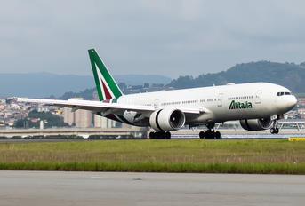 EI-FNI - Alitalia Boeing 777-200ER