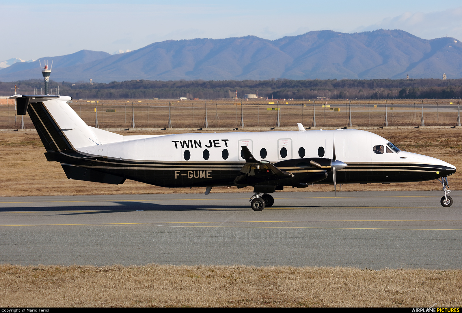 Twin Jet F-GUME aircraft at Milan - Malpensa