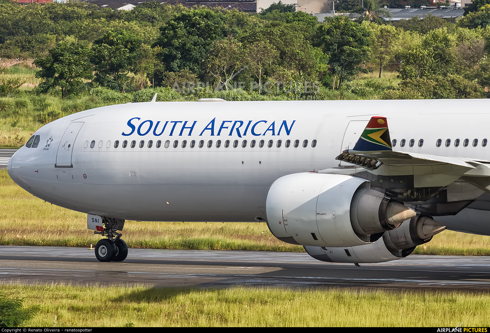South African Airways ZS-SNI aircraft at São Paulo - Guarulhos