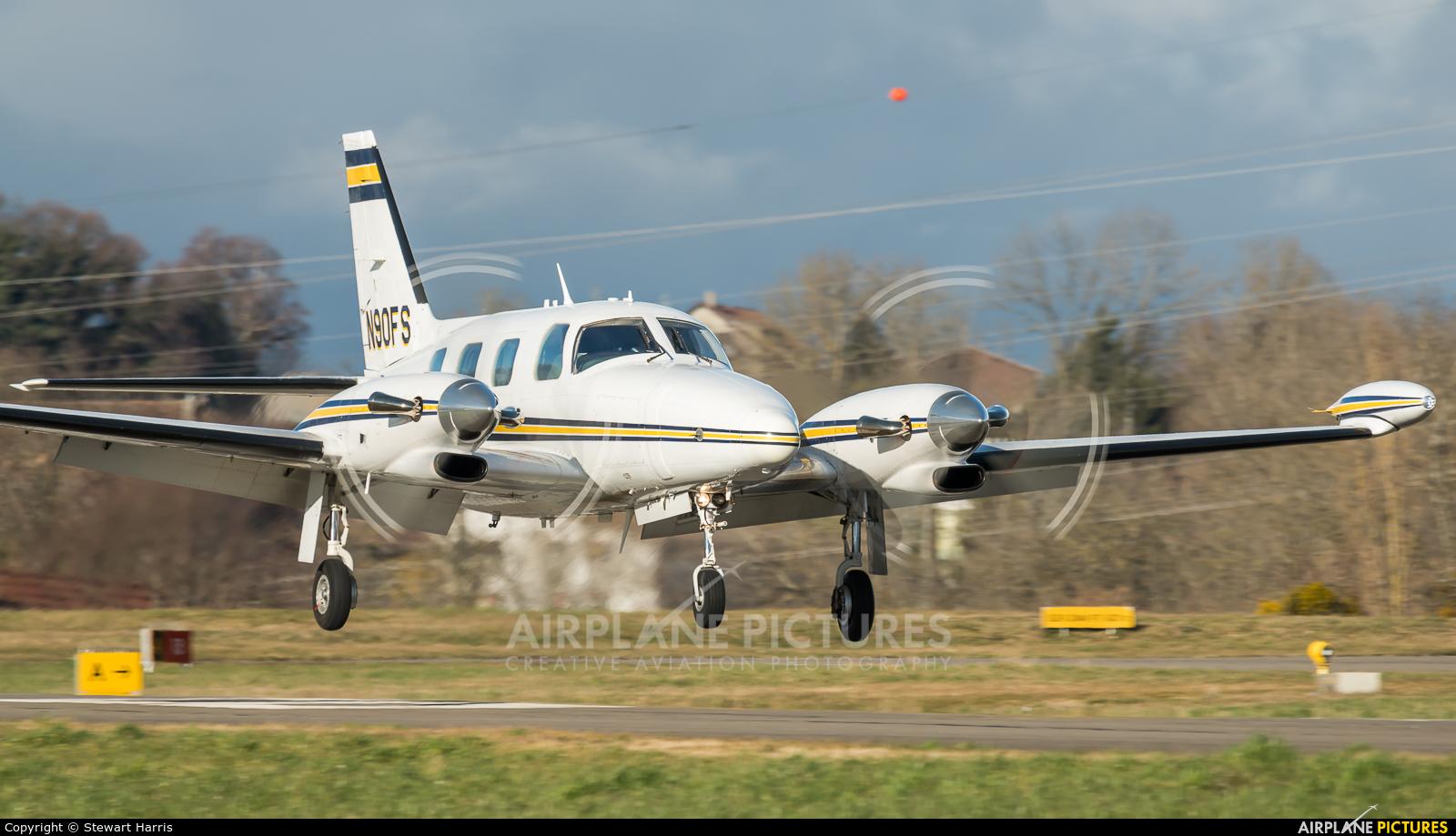 Private N90FS aircraft at Lausanne - La Blécherette