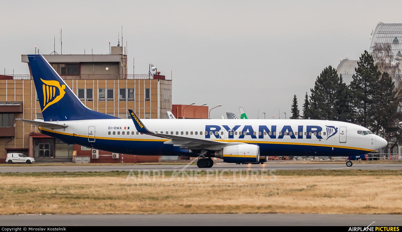 Ryanair EI-DWA aircraft at Ostrava Mošnov