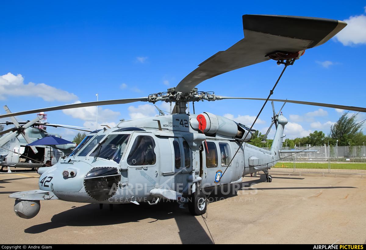 USA - Navy 166366 aircraft at Singapore - Changi