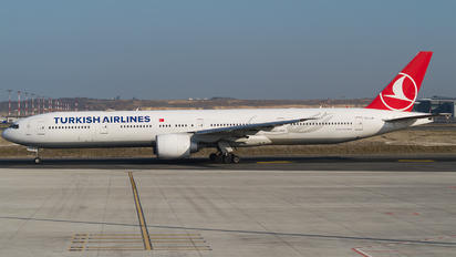 TC-LJE - Turkish Airlines Boeing 777-300ER