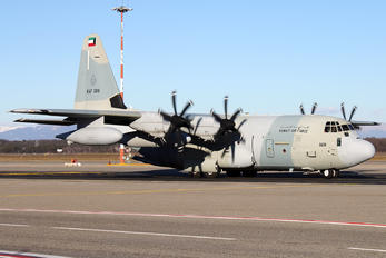 KAF328 - Kuwait - Air Force Lockheed KC-130J Hercules