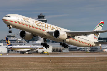 A6-ETO - Etihad Airways Boeing 777-300ER