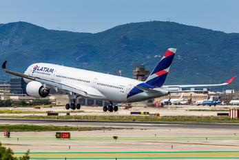 A7-AMA - Qatar Airways Airbus A350-900