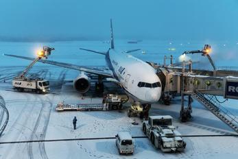 JA709A - ANA - All Nippon Airways Boeing 777-200ER