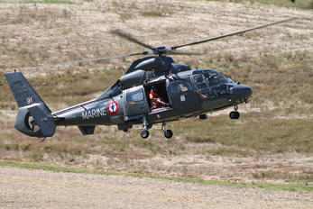 81 - France - Navy Aerospatiale AS365 Dauphin II