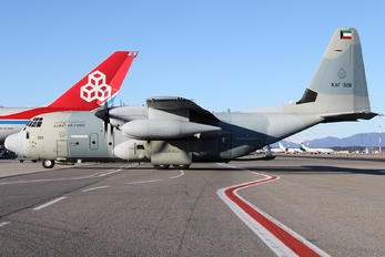 KAF328 - Kuwait - Air Force Lockheed KC-130J Hercules