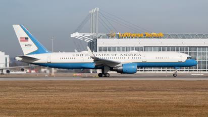 98-0002 - USA - Air Force Boeing C-32A