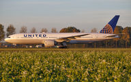 United Airlines N78002 image