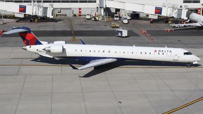 N693CA - Delta Connection Canadair CL-600 CRJ-900