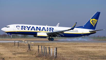 EI-EKC - Ryanair Boeing 737-800