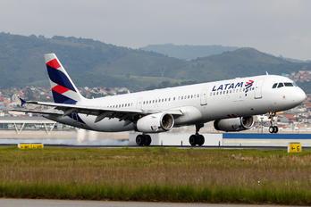 PT-MXB - LATAM Brasil Airbus A321