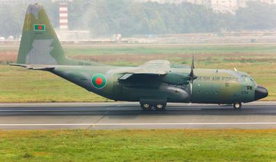 S3-AGA - Bangladesh - Air Force Lockheed C-130B Hercules