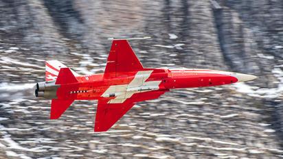 J-3085 - Switzerland - Air Force: Patrouille Suisse Northrop F-5E Tiger II