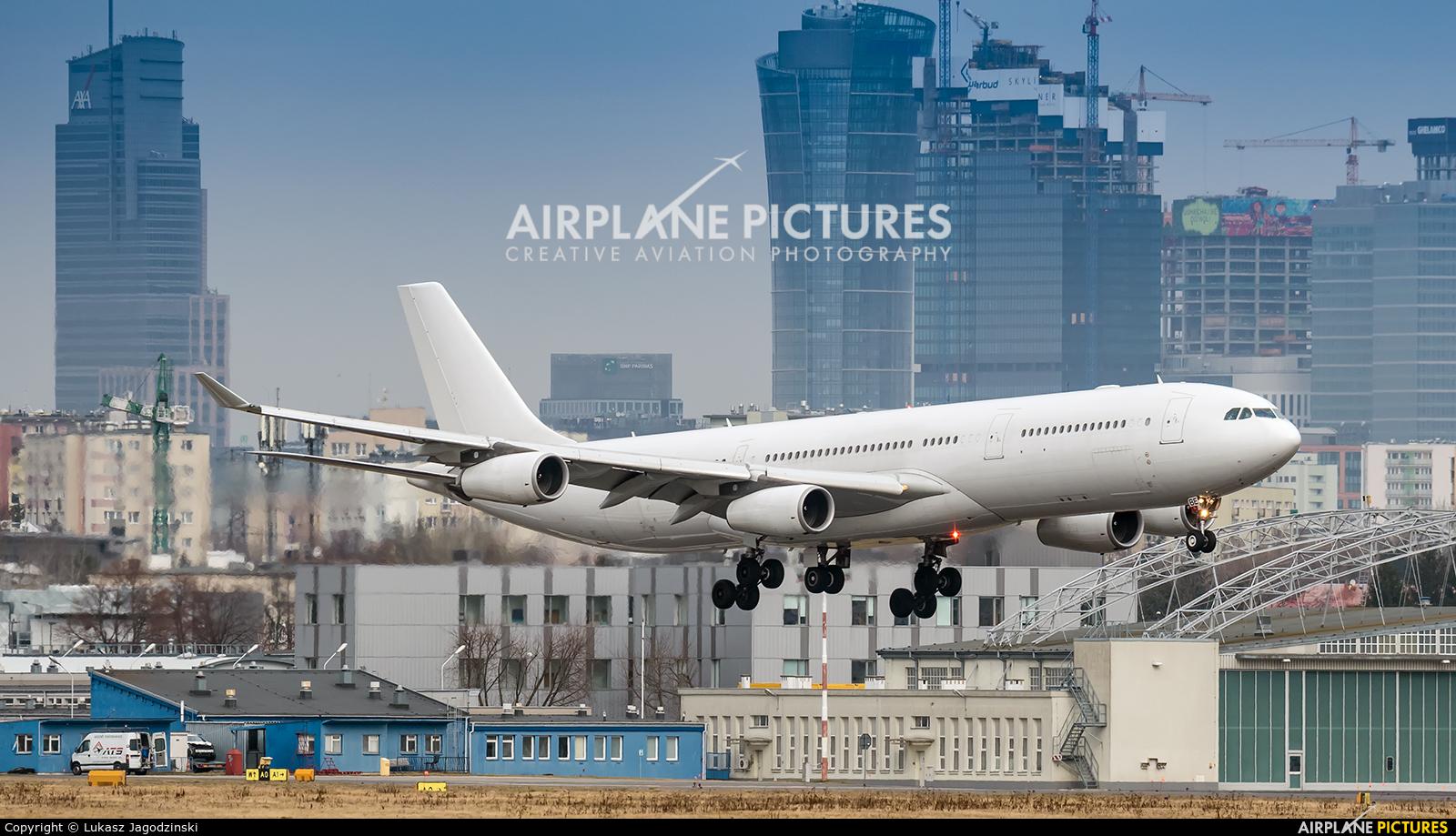 Air Belgium OO-ABE aircraft at Warsaw - Frederic Chopin