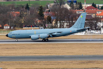 471 - France - Air Force Boeing C-135FR Stratotanker