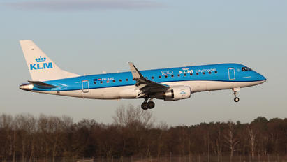 PH-EXZ - KLM Embraer ERJ-175 (170-200)