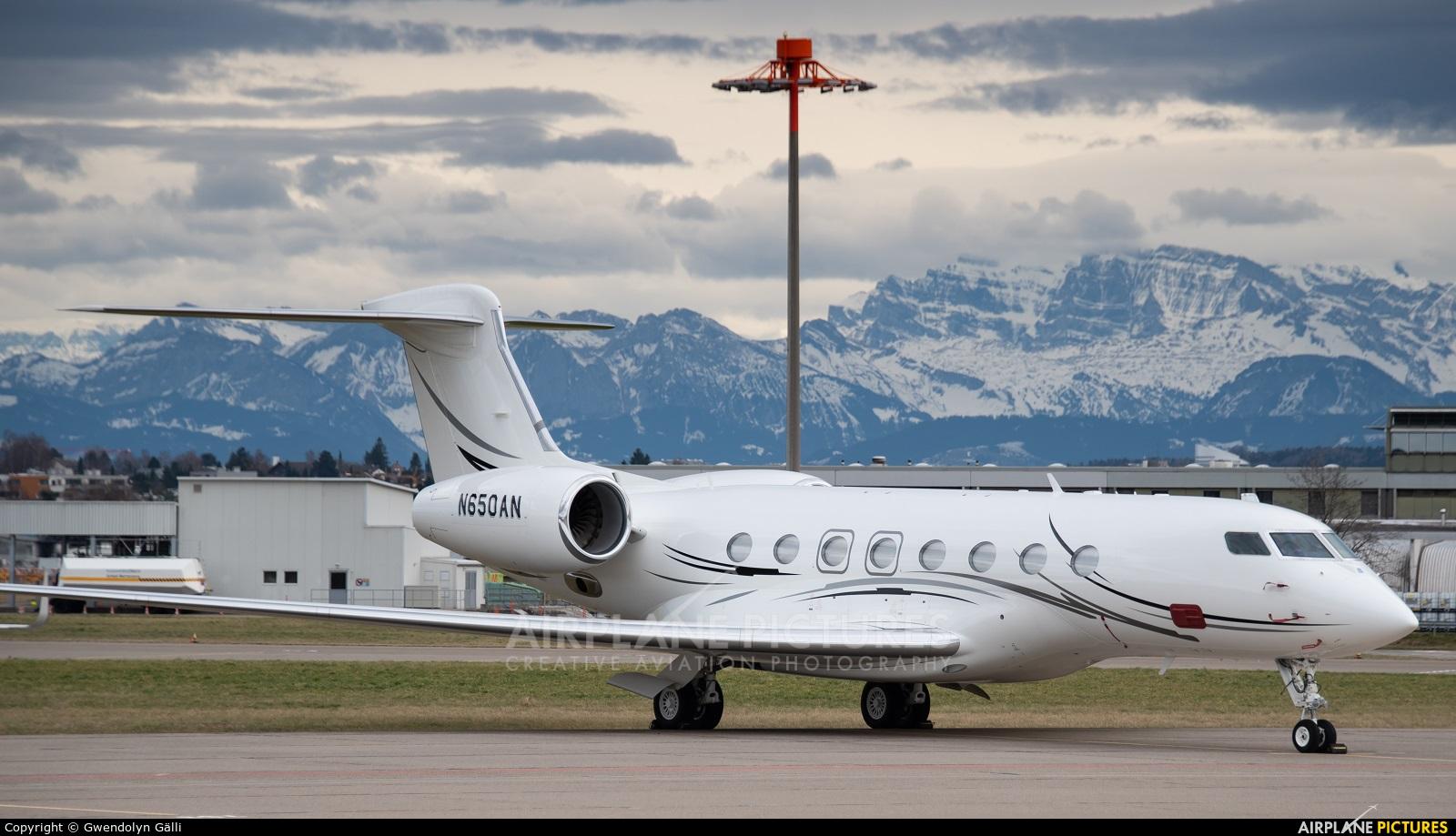Private N650AN aircraft at Zurich