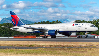 N556NW - Delta Air Lines Boeing 757-200
