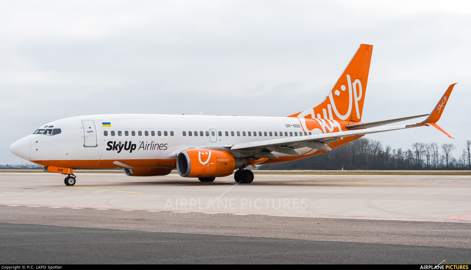 SkyUp Airlines UR-SQD aircraft at Pardubice