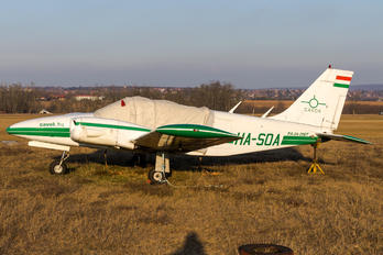 HA-SOA - Private Piper PA-34 Seneca