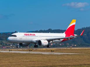 EC-NCM - Iberia Airbus A320 NEO