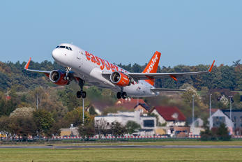 OE-IJJ - easyJet Europe Airbus A320