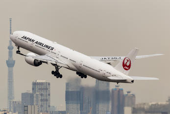 JA736J - JAL - Japan Airlines Boeing 777-300ER