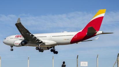 EC-MLP - Iberia Airbus A330-200