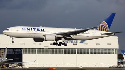 N782UA - United Airlines Boeing 777-200ER