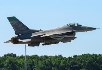88-0527 - USA - Air Force General Dynamics F-16CG Night Falcon
