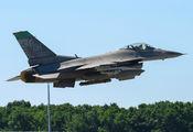 88-0527 - USA - Air Force General Dynamics F-16CG Night Falcon aircraft
