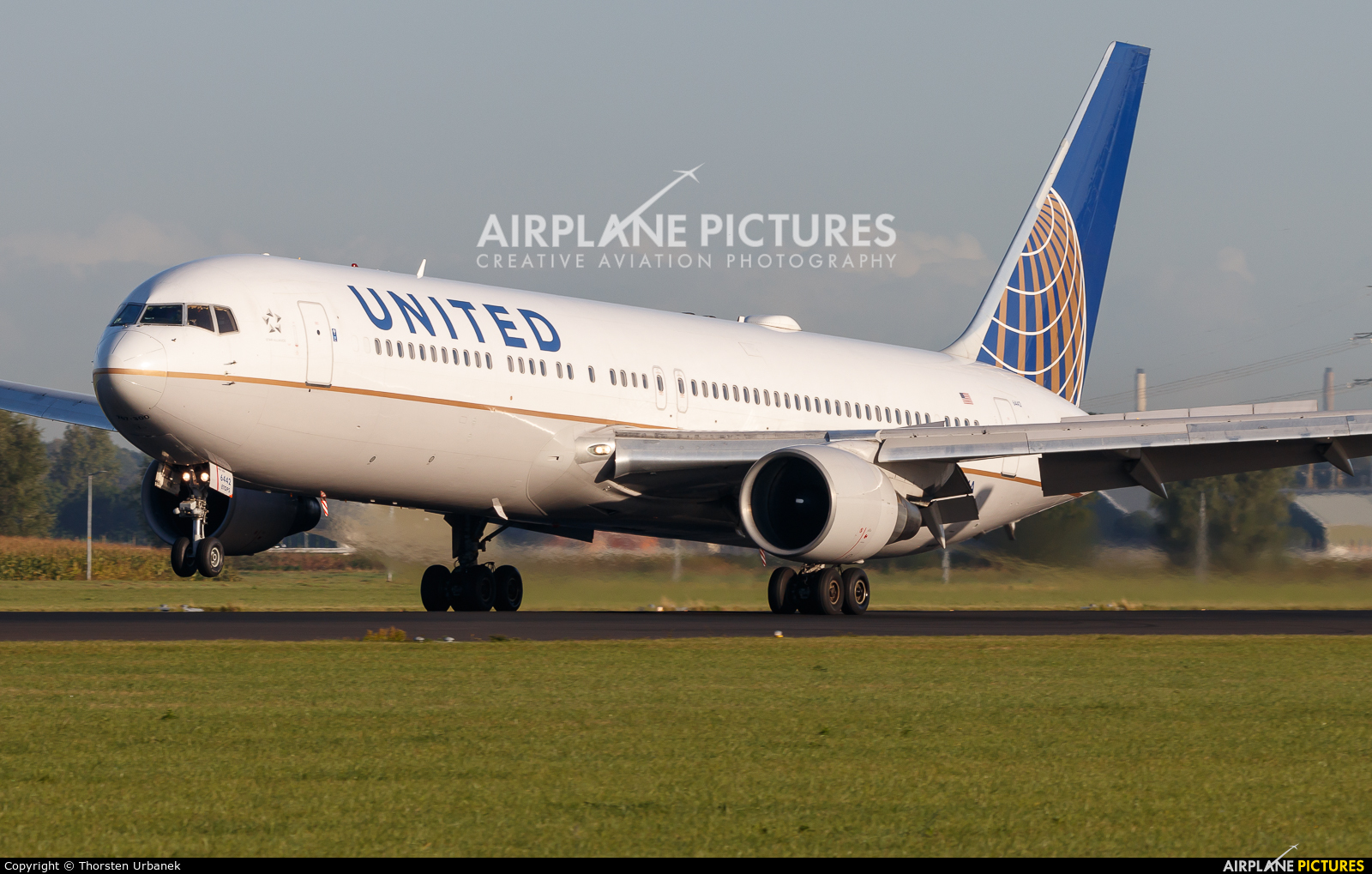 United Airlines N642UA aircraft at Amsterdam - Schiphol