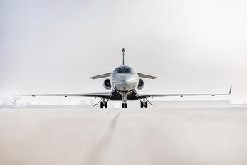 - - Private Dassault Falcon 7X