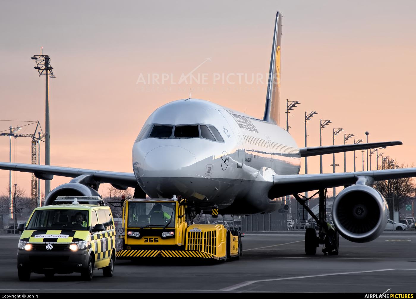 Lufthansa D-AIUS aircraft at Munich